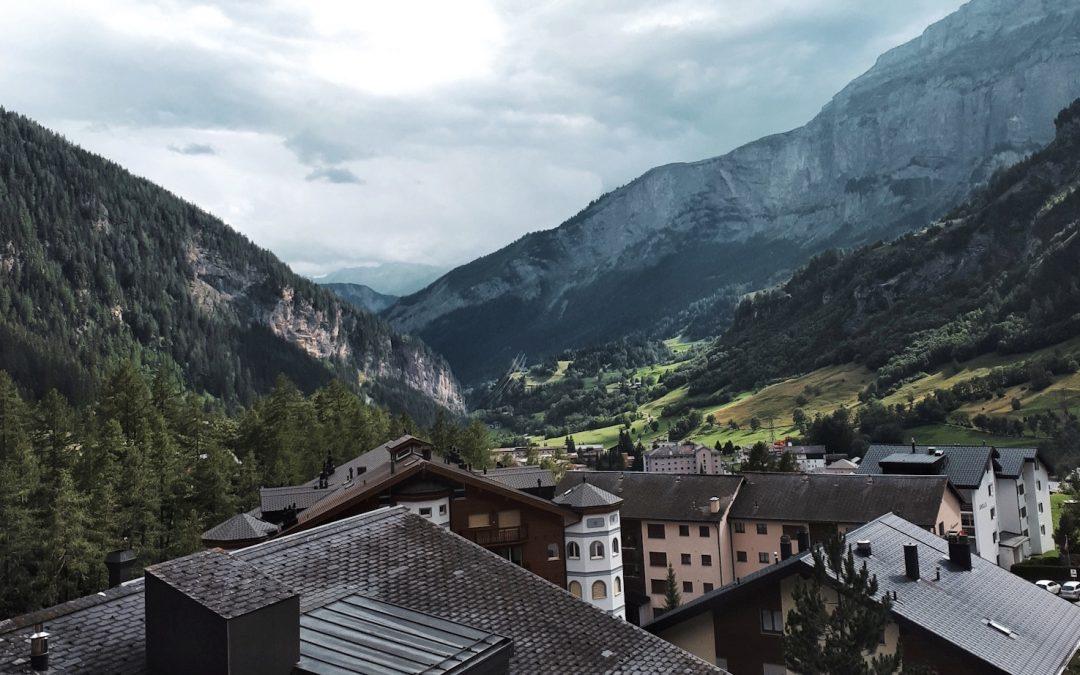 Leukerbad: Pourquoi aller à la montagne en été?